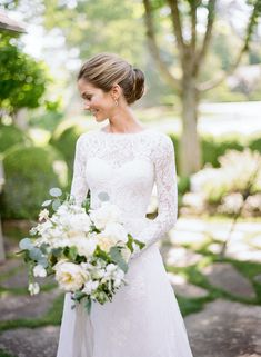 Elegant Destination Wedding in Highlands, North Carolina. Surrounded by memories of her family's vacation home, this bride, wearing a Monique Lhuillier long sleeved lace wedding gown, tied the knot in an elegant outdoor ceremony and reception with soft neutral florals. #highlandsnc #destinationwedding Alabama Wedding Venues, Luxury Wedding Venues, Destination Wedding, Indoor Wedding Ceremonies, Outdoor Ceremony, Tuscany Wedding Venue, Fine Art Wedding Photography, Wedding Decor, Lace Wedding