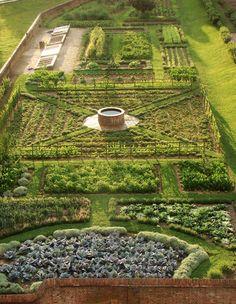 Potager Garden, Veg Garden, Vegetable Garden Design, Vegetable Gardening, Gravel Garden, Garden Cottage, Garden Landscape Design, Garden Planters, Garden Beds