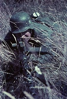 World War II German infantryman on the Eastern Front - no place given - probably Russia 1942 - Photographer: Artur Grimm - pin by Paolo Marzioli