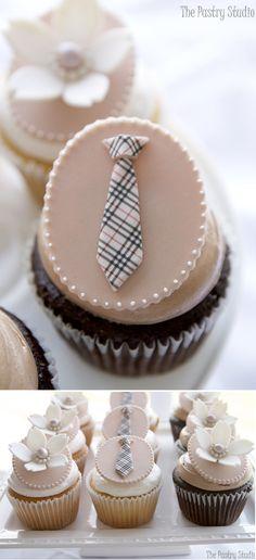 Burberry Tie Cupcake!