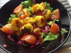 Salad with asian fishballs