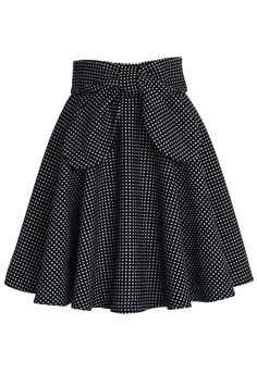 - Extravagant bowknot in front - Polka dots pattern - Back zip closure - 35% Wool, 65% Polyester - Hand wash  Size(cm) Length  Waist XS                50         68 S                  50         72 M                 50         76  L                   50         80 Size(inch) Length  Waist XS                 19.5      26.5 S                    19.5      28 M                  19.5      30 L                    19.5       31.5  * XS fits for US 0/2, UK 6, EU34  * S    fits for US 4, UK 8, EU...