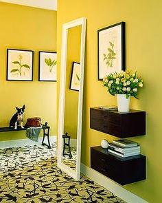 A primeira impressão é a que fica!     Na decoração moderna o hall de entrada merece destaque e até certo requinte! Pois ele é o cartão d...