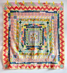 Medallion Quilt , hand pieced by Carrie Strine. Pattern courtesy of Anita at Bloomin Workshop Quilt Baby, Baby Girl Quilts, Textiles, Textile Patterns, Quilt Patterns, Quilting Projects, Sewing Projects, Round Robin, Quilt Modernen