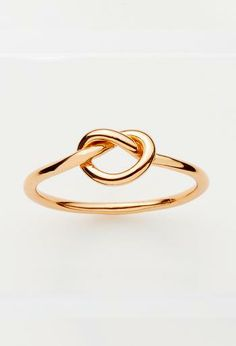 Love knot ring in gold or rose gold plate - Image Rose Gold Plate Ring Rosegold, Love Knot Ring, Gold Diamond Earrings, Selling Jewelry, Or Rose, Rose Gold Plates, Fashion Jewelry, Women's Fashion, Gold Rings