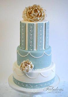 Wedding cake  / s h α b b y . C H I C . b α k e r y
