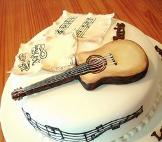 Guitar Cake Music notes like the design, can make guitar look better Music Themed Cakes, Music Cakes, Icing Cake Design, Cake Designs, Pictures Of Music Notes, Beautiful Cakes, Amazing Cakes, Rodjendanske Torte, Piano Cakes