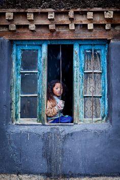 Photo by Dmitry Rukhlenko -- Kibber village, Spiti Valley, Himachal Pradesh, India, ca 2010 We Are The World, People Around The World, Around The Worlds, Window Photography, Village Photography, Spiti Valley, Window View, Through The Window, Jolie Photo