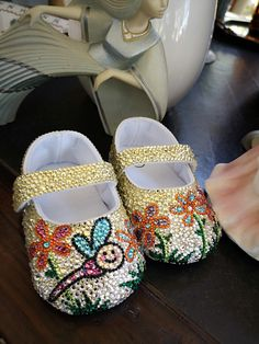 An online storefront selling sparkly baby shoes handmade from Thailand. Our shoe desgins are festive and seasonal! Baby Shower Presents, Baby Shower Gifts, Baby Bling, Rhinestone Shoes, Light Rose, Baby Keepsake, Little Princess, Peridot, Rhinestones