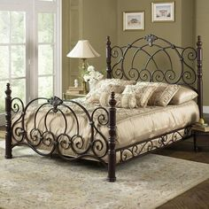 Strathmore Vintage Spice Victorian Queen Size Bed