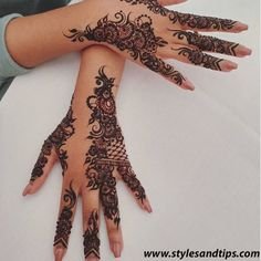 Mehndi design is one of the most authentic arts for girls. The ladies who want to decorate their hands with the best mehndi designs. Henna Hand Designs, Eid Mehndi Designs, Henna Tattoo Designs, Pretty Henna Designs, Mehndi Designs Finger, Arabic Henna Designs, Modern Mehndi Designs, Mehndi Designs For Girls, Bridal Henna Designs