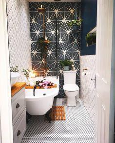 Bathroom Ideas Uk, Small Bathroom With Tub, Beautiful Small Bathrooms, Loft Bathroom, Bathroom Toilets, Dream Bathrooms, Bathroom Inspo, Bathroom Organization, Organization Ideas