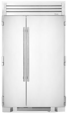 The True 48 Side-by-Side Refrigerator in solid stainless from True Residential is luxury refrigeration that also comes in custom colors and finishes. Undercounter Refrigerator, Refrigerator Freezer, French Door Refrigerator, Best Appliances, Kitchen Appliances, Stainless Steel Bins, Farmhouse Kitchen Cabinets, Dad's Kitchen, Kitchen Design