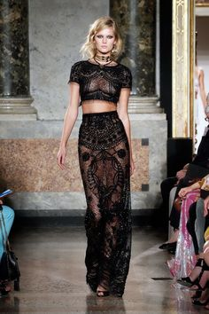 592f1eaab9f Spring Summer 2012 - Emilio Pucci Official - we love this black lace  co-ordinate outfit consisting of a crop tee and long skirt - seen on  Gwyneth Paltrow.