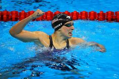 She's just that good: Katie Ledecky crushes her own World Record in the Freestyle to take gold . _ Katie Ledecky completes the Women's Freestyle in Olympic Swimmers, Olympic Team, Olympic Games, Rio Olympics 2016, Summer Olympics, Katie Ledecky, Swimmer Problems, Competitive Swimming, Olympians