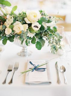 Timeless + elegant Lake Michigan wedding:  http://www.stylemepretty.com/2015/12/11/nautical-lake-michigan-wedding/ | Photography: Clary Photo - claryphoto.com
