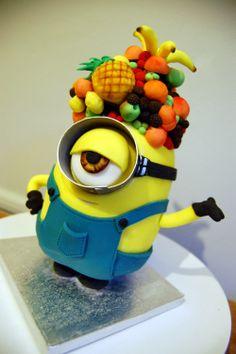 Minion cake! Upstanding too!