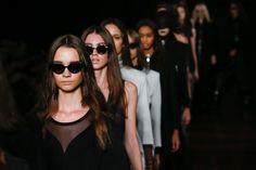 O desfile de Alexandre Herchcovitch abre a edição Inverno 2016 da São Paulo Fashion Week