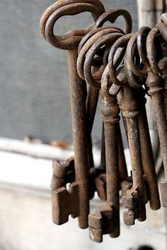 Rusty ♥old keys - Reminds of me of Bluebeard's key ring