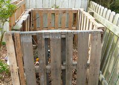 Wood Pallet Composting Bin
