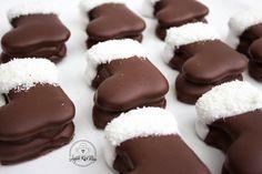 Télapó csizma | Ágiiiiii Kicsi Világa Breakfast Recipes, Dessert Recipes, Small Cake, Winter Food, Christmas Baking, Food And Drink, Sweets, Snacks, Wafer Cookies