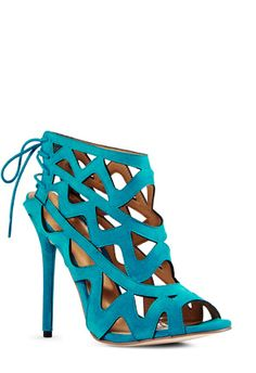 """Sanna"" waves like a ocean and coupled with a turquoise handbag makes any outfit instantly summer ready #JustFabSweeps"