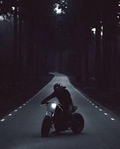 Motorcycle Page – Alara R Turner Moto Bike, Motorcycle Bike, Pulsar Motos, Yzf R125, Motorbike Photos, Bike Photoshoot, Motorcycle Wallpaper, Motorcycle Photography, Sombre