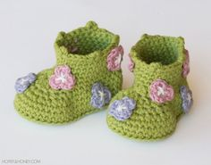 Floral #crochet baby booties pattern for sale from Hopeful Honey