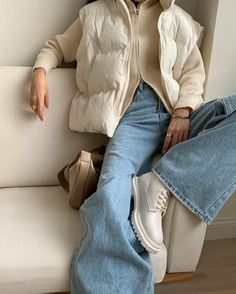 Jean Outfits, Winter Outfits, Casual Outfits, Pinterest Girls, Vintage Couture, New Fashion Trends, Outfit Of The Day, Mom Jeans, Street Style