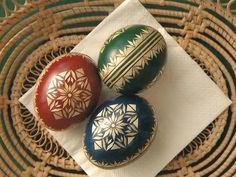Straw Decorations, Ukrainian Easter Eggs, Egg Art, Art Techniques, Haha, Embellishments