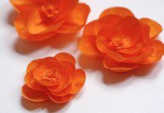 DIY Crepe Paper Flowers : DIY flowers from crepe paper Handmade Flowers, Diy Flowers, Fabric Flowers, Pretty Flowers, Poppy Flowers, Flower Diy, Orange Flowers, Real Flowers, Crepe Paper Flowers Tutorial