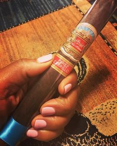 ...when you click your heels 3x's...home sweet #home w/ @iamdhicks @dailyrapapphicks @_dellydell @yolaurenlangford @ddixon425 #family #time #cigar #cigaraficionado #cigars #cigarlife #sistersoftheleaf #cigarsociety #perezcarrillo #detroit #cortneyhicks #hicks #hicksstrong #nochill #weekend #saturday #night
