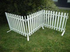 Desisgn Flow – Australian manufacturer of portable plastic picket fencing - Modern Plastic Picket Fence, Picket Fence Panels, Driveway Fence, Farm Fence, Free Standing Fence, Portable Dog Fence, Yard Privacy, Privacy Shrubs, Mobile Home Exteriors