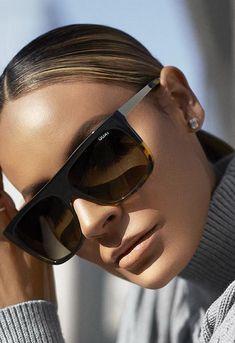 😎Quay Eyewear x Desi Perkins OTL II Sunglasses Quay Australia Sunglasses, Quay Sunglasses, Stylish Sunglasses, Sunglasses Women, Sunnies, Sunglasses Accessories, Celebrity Sunglasses, Reflective Sunglasses, Trending Sunglasses