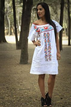 a3c1afcd1efde San Antonio Inspired Mexican Dress // Mexican by RosaMexicanoLove Mexican  Embroidery, Mexican Dresses,