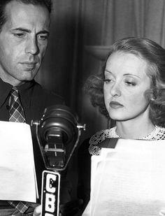 Humphrey Bogart & Bette Davis Humphrey Bogart died of cancer aged Old Hollywood Stars, Golden Age Of Hollywood, Vintage Hollywood, Classic Hollywood, Hollywood Glamour, Adrienne Ames, Bogie And Bacall, Bette Davis Eyes, Betty Davis