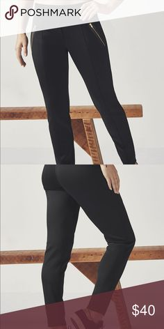 Shop Women's Fabletics Black size XXL Track Pants & Joggers at a discounted price at Poshmark. Treggings, Fashion Design, Fashion Tips, Fashion Trends, Joggers, Track, Zipper, Pockets, Fabric