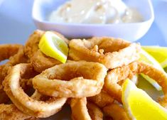 Crispy Fried Calamari recipe (Kalamarakia Tiganita) - My Greek Dish Calamari Recipes, Squid Recipes, Fish Recipes, Turkish Recipes, Italian Recipes, Ethnic Recipes, Italian Foods, Beignets, Greek Fries