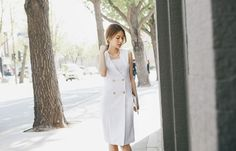 Elegant sleeveless one-piece dress in S/M size, White/Grey.  Comfortable fit and easy to coordinate for various occasions. #fashion #onepiece #dress #Shippingworldwide