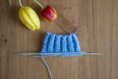 Sydänresori Knitting Socks, Knitting Stitches, Decoden, Boot Cuffs, Handicraft, Mittens, Knit Crochet, Diy And Crafts, Pattern