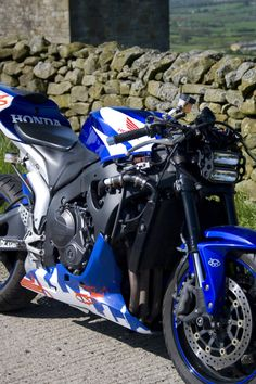 Streetfighter Honda Cbr 600 Rr 07 Photo: This Photo was uploaded by karlchild. Find other Streetfighter Honda Cbr 600 Rr 07 pictures and photos or uploa...