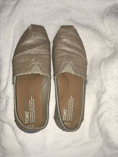 604714d3720e0 Toms Rose Gold Glimmer Women s Classics Size M flats.