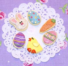 Easter Sugar Cookies - Celebrate the Easter season with Dolly and these adorable sugar cookies! Each set includes six cookies in Easter shapes.
