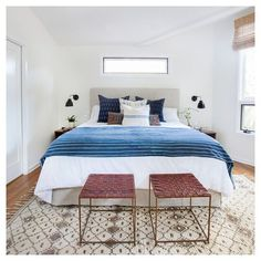 clean and chic room by @amberinteriors