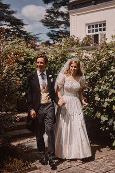 Norman Hartnell, Royal Brides, Royal Weddings, Princess Beatrice Wedding, Princess Charlotte, Princess Wedding, Princess Diana, Princesa Beatrice, Casual Chique