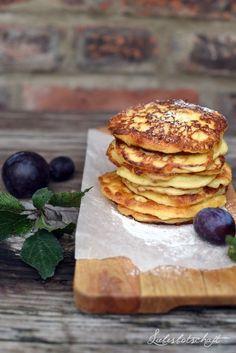 Quark-Pancakes mit Pflaumenkompott