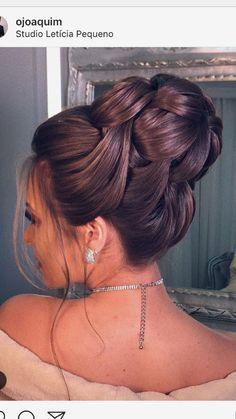 Fiesta & # Fiesta The post Fiesta & # Fiesta appeared first on Peinados. Special Occasion Hairstyles, Formal Hairstyles, Bride Hairstyles, Barber Hairstyles, Bridal Hair Updo, Bridal Hair And Makeup, Hair Makeup, Bridesmaid Hair, Prom Hair