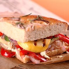 California Grilled Veggie Sandwich Allrecipes This is one of the best sandwiches I've ever had! It is also a meatless meal. Veggie Sandwich, Grilled Sandwich, Sandwich Recipes, Veggie Pizza, Veggie Meals, Chicken Sandwich, California Grill, Ideas Sándwich, Food Ideas