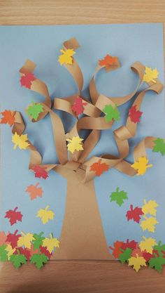 Fall Paper Crafts, Fall Arts And Crafts, Paper Flowers Craft, Crafts For Kids To Make, Craft Activities For Kids, Flower Crafts, Preschool Crafts, Art For Kids, Plastic Animal Crafts
