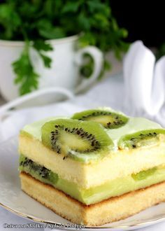 ciasto z kiwi , ciasto kisielowe z kiwi , ciasta bez pieczenia , ostra na slodko , kiwi przepisy , sylwia ladyga xx Sweet Recipes, Cake Recipes, Dessert Recipes, Kiwi Cake, First Communion Cakes, Kolaci I Torte, Cannoli, Cupcakes, Sweets Cake